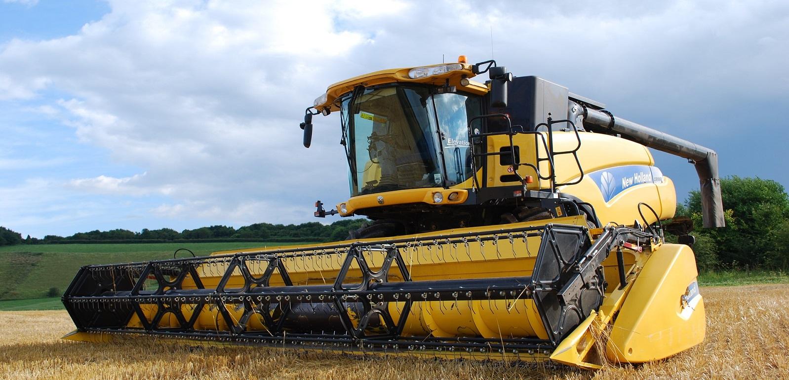 combine-harvester-702413_1920